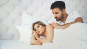 10 Signs You're With a Player and He Doesn't Truly Care about You